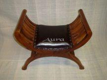 105012 Indonéz bőrös ollós szék világos