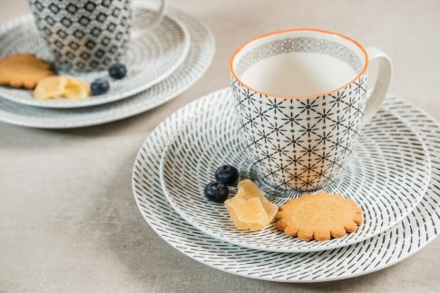 Retro star breakfast 6 részes modern design porcelán reggeliző étkészlet 2 személyre. Brand:Nora's design
