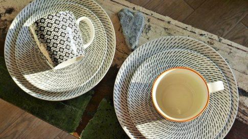 Retro star breakfast 12 részes modern design porcelán étkészlet 4 személyre. Brand:Nora's design